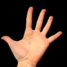 Domowe sposoby na piękne i zadbane dłonie