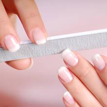 Jak poradzić sobie z łamliwymi paznokciami?