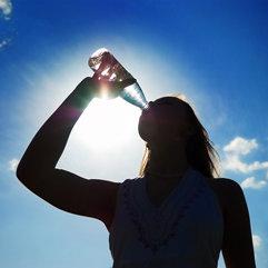 Miej przy sobie butelkę wody