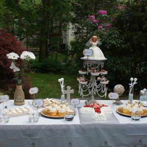 Jak przygotować stół na przyjęcie komunijne?
