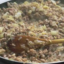 Podsmażenie cebulki i mięsa