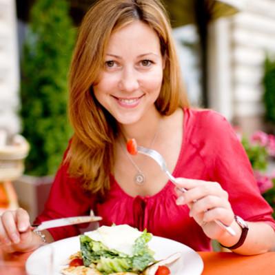 Jak schudnąć nie odmawiając sobie jedzenia