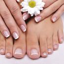 Jak radzić sobie z naderwanym paznokciem?
