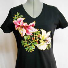 Jak samodzielnie wykonać malowane wzory na koszulce?