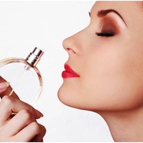 Jak właściwie używać perfum?