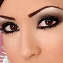 Jak za pomocą makijażu powiększyć oczy?