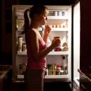 Jak powstrzymać się przed jedzeniem w nocy?