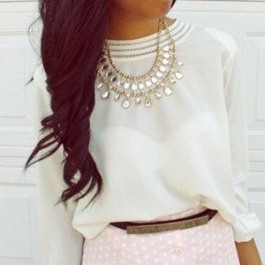 Biżuteria do bluzek koszulowych