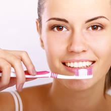 Jakich błędów nie popełniać podczas mycia zębów?