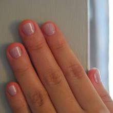 Jak nadać krótkim paznokciom ładny wygląd?