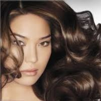 Jak zadbać o zdrowie i piękno włosów?