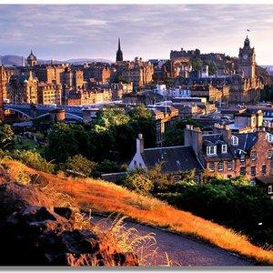 Jakie zabytki odwiedzić w Edynburgu?