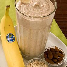 Przepis na śniadaniowy koktajl owsiano-bananowy