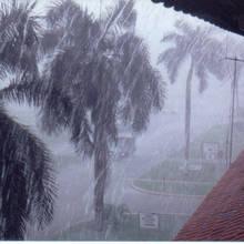 Jak zachowywać się podczas burzy?