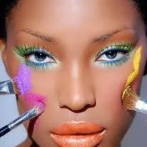 Jak zrobić tropikalny makijaż?