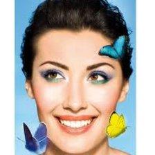 Elegancka wersja barwnego makijażu