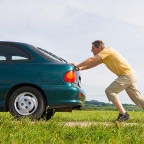 Jak odpalić samochód na pych?