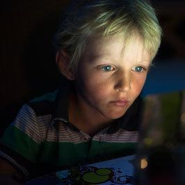 Jak sprawić, by dziecko nie uzależniło się od komputera?