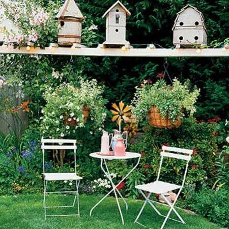 Dekoracja ogrodu w zależności od pór roku