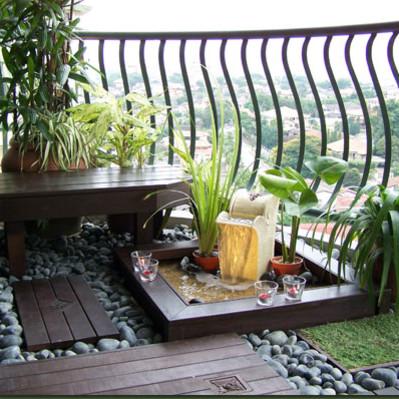 Pomysły na dekorację balkonu