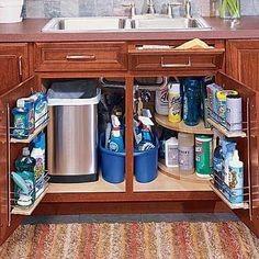 Jak wykorzystać szafkę pod zlewem?