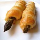 Przepis na przystawkę z ciasta francuskiego i szparagów