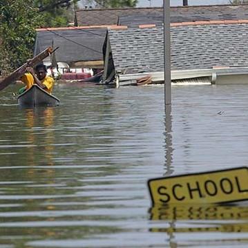 Jak zachowywać się podczas powodzi?
