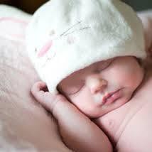 Co należy wiedzieć o pielęgnacji pępka u niemowląt?
