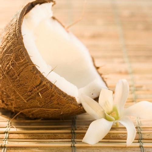 Jak w prosty sposób otworzyć kokosa?