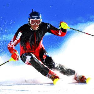 Jak wyhamowywać na nartach?