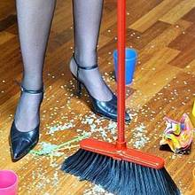 Sprzątanie mieszkania po imprezie