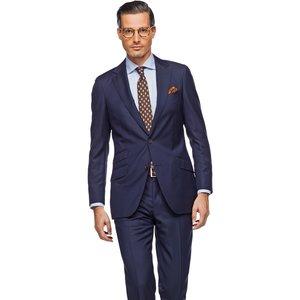 Jak prawidłowo dobrać garnitur?