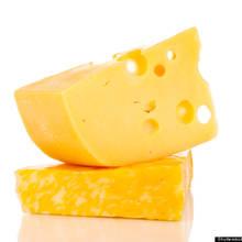 Zalety jedzenia żółtego sera