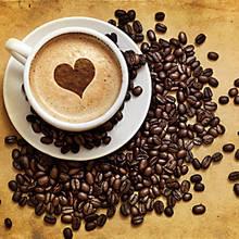 Jak zrobić wzory na kawie za pomocą szablonów?