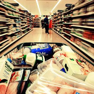 Jak oszczędzać podczas zakupów w supermarkecie?