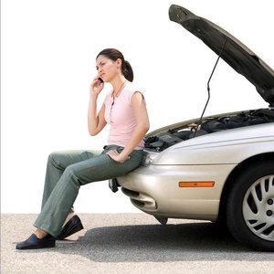 Co warto wozić w samochodzie na wypadek awarii?