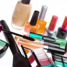Jakie kosmetyki do makijażu powinnaś kupić?