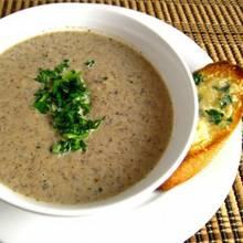 Przepis na zupę pieczarkową z czosnkiem