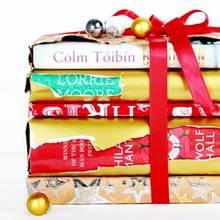 Jak wybrać książkę na prezent bożonarodzeniowy?