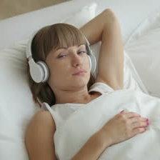 Słuchaj muzyki relaksacyjnej
