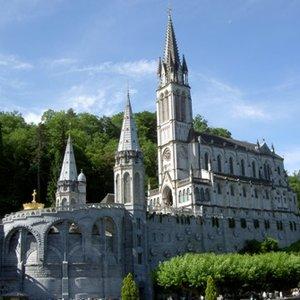 Lourdes. Sanktuarium u stóp Pirenejów