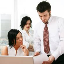 Jak bezproblemowo dogadywać się w pracy?