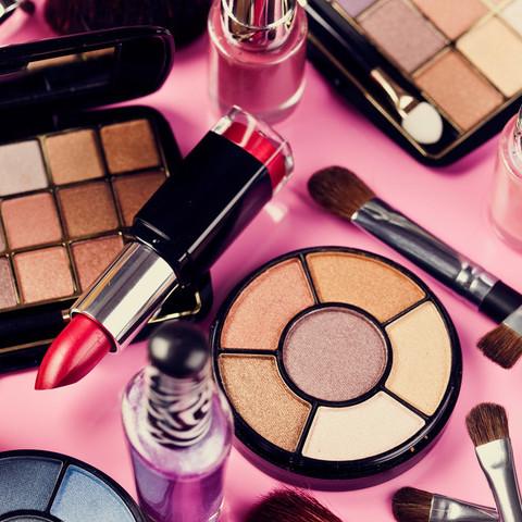 Jakich substancji w kosmetykach powinnaś unikać?