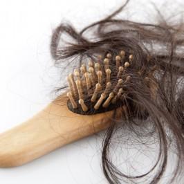 Jak radzić sobie z wypadającymi włosami
