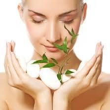 Jak wykonać samemu masaż twarzy?
