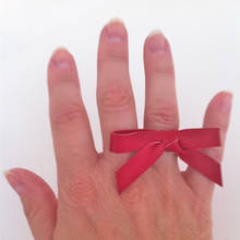 Jak zrobić pierścionek z kokardką?