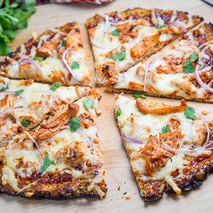 Przepis na dietetyczną pizzę ze spodem zrobionym z kalafiora