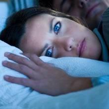 Jak domowymi sposobami poradzić sobie z bezsennością?