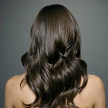Jakie są domowe sposoby na lśniące włosy?