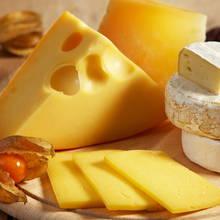 W jaki sposób odświeżyć żółty ser?
